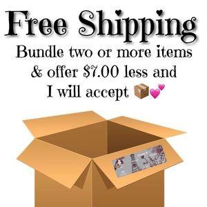 Free Shipping on bundles 📦💕