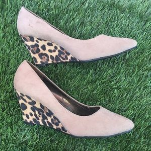 Ollio Shoes - NWOT Beige cheetah block wedges