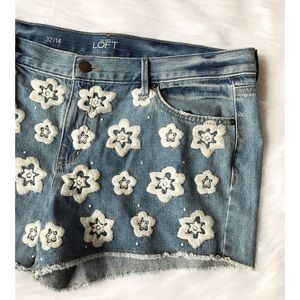 LOFT Pants - NWOT Ann Taylor LOFT Embroidered Flower Shorts