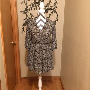 Lush Dresses & Skirts - LUSH Black and Cream V-Neck Sheath Dress