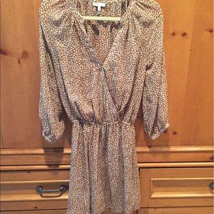 Joie Dresses & Skirts - Joie XS print dress.