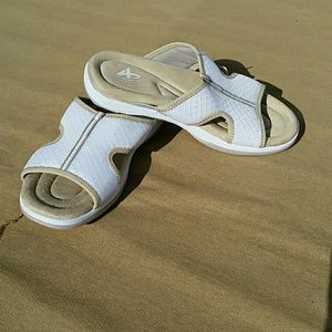athletech Shoes - NWT Memory foam sandals size 8.5