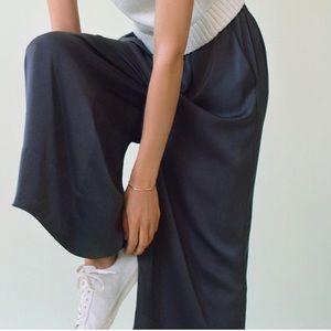 Lou & Grey Pants - Lou & Grey Washed Silk Pant!
