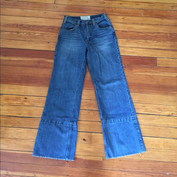 Choose from a wide variety of Flare Jeans For Women On Sale options for your everyday look. Stay on top of the latest fashion trends with our Flare Jeans For Women On Sale collection from Lucky Brand.