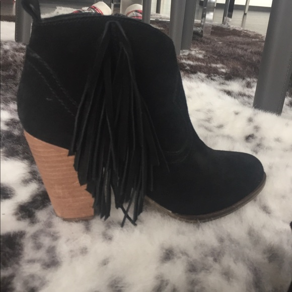 Steve Madden Shoes - Black suede fringe booties size 6