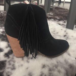 Steve Madden Shoes - Black suede fringe booties size 6