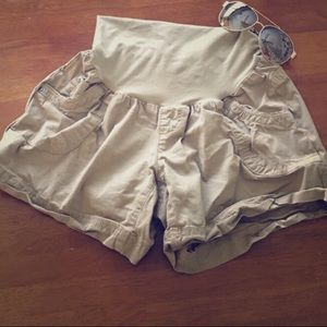 Motherhood Pants - Maternity Cargo shorts! Size Medium