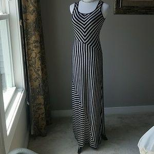 Bar III Dresses & Skirts - 💕💕💕 Bar III maxi dress size M