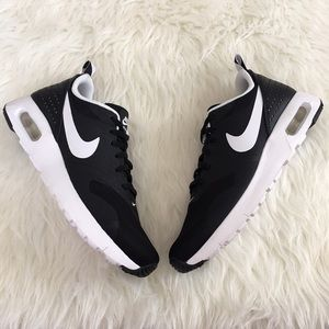 Nike Shoes - Nike Air Max Tavas Black & White Sneakers