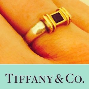 Tiffany & Co. Jewelry - Tifffany & CO. Blue sapphire ring 4.5