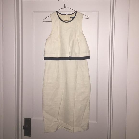 Banana Republic Dresses & Skirts - Banana Republic Sheath - Summer Chic!