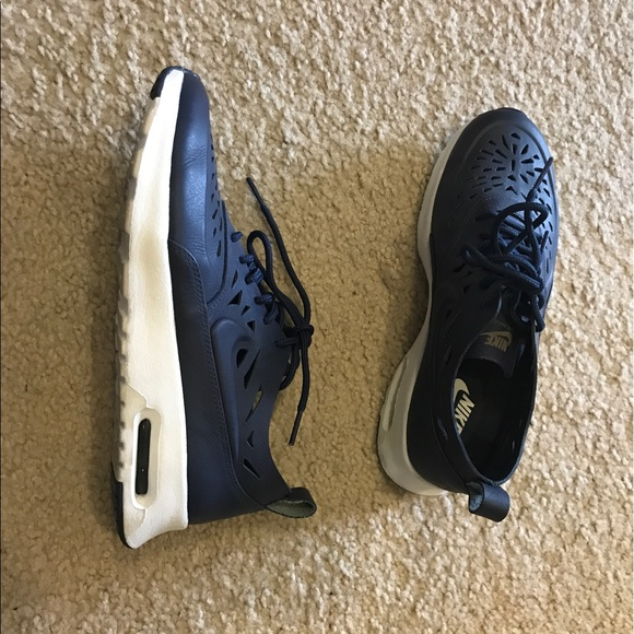 Nike Shoes - Navy Nike air max Thea Joli in size 7