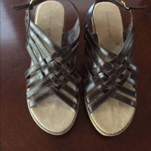 Madden Girl Shoes - Madden Girl tan & brown wedges. 61/2.  Great con.