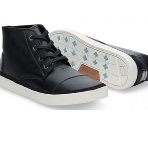 Toms Paseo Hi Leather in Black