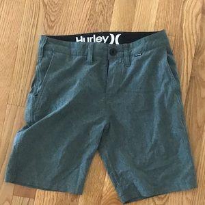 Buys Hurley board shorts gray size 24