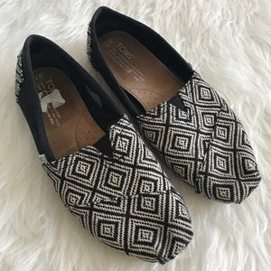 TOMS Shoes - Toms Black & White Aztec Classic Slip On Loafers