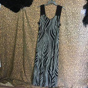 Maxima Dresses & Skirts - MaxiMa Black & White Dress