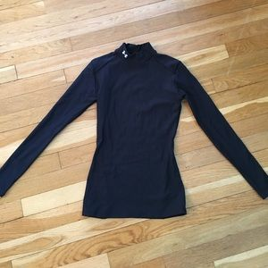 Under Armour Tops - Under armor thermal shirt black