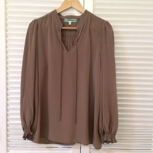 Pleione Tops - Pleione Taupe flowy peasant top