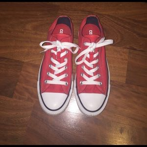 Converse Shoes - Sparkly clean red low top converse!!