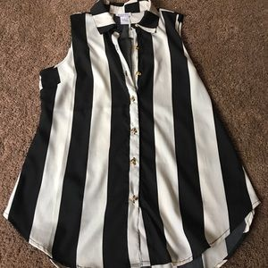 UNIF Tops - Striped button up tank (skull buttons)