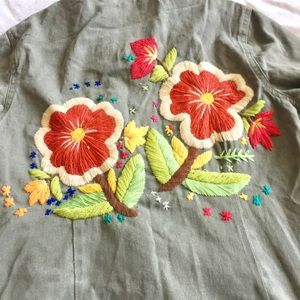 Jackets & Blazers - Beautiful Army Green Embroidered Jacket🌺