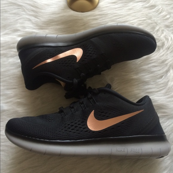 NIKE iD WOMENS FREE RUN SHOES BLACK ROSE GOLD b8e12673c8