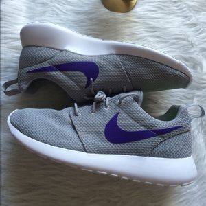 Nike Shoes - NIKE iD WOMENS ROSHE SHOES GREY 11