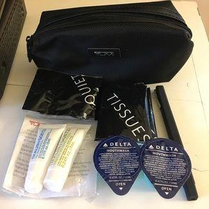 Tumi Handbags - TUMI for Delta travel pack