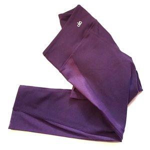 ALO Yoga Pants - NWOT Alo Yoga capris