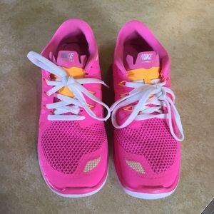 Nike FREE 5.0  shoes 5.5Y, 6.5 sz womens like new