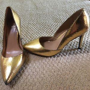 BANANA REPUBLIC shiny gold pumps