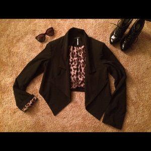 Love Culture Jackets & Blazers - ❤️ Gorgeous black cropped blazer leopard lining