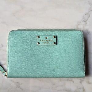 Kate Spade Wellesley Travel Wallet