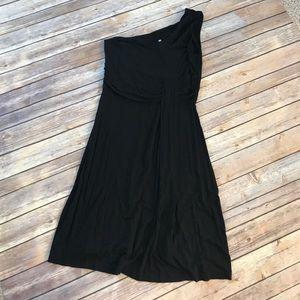 One Shoulder Black Dress.
