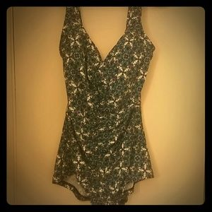 Maxine of Hollywood Other - Beautiful practically new swimsuit!!