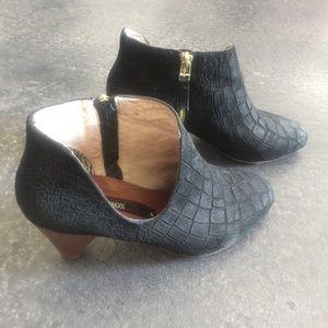 Matt Bernson Shoes - Matt Bernson black suede cut out bootie