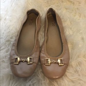 me too Shoes - Nude flats