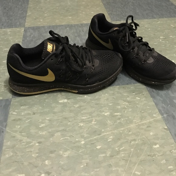43cc63393c3 ... coupon code for nike womens air zoom pegasus 33 black and gold 8005e  45025