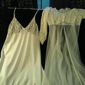 2 piece white lace lingerie set