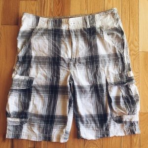 Other - Men's plaid cargo shorts