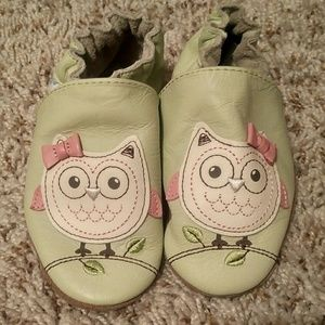Robeez Other - Owl Shoes