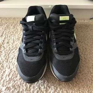 Air Max Neon Green and black size 7 Nike