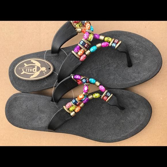 cdb3efef0 NWT Pali Hawaiian Beaded Thong Sandals