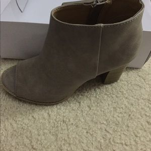 Report Collection Shoes - Open Short Boots