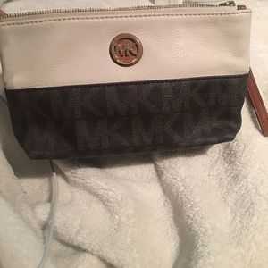 Handbags - Michael Kors Wristlet