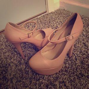 Anne Michelle Shoes - Brand New heels. Anne Michelle size 6. No box.