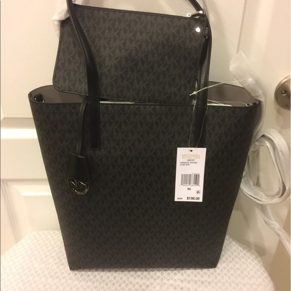 0b83e22f2e8a MICHAEL Michael Kors Bags | Mk Hayley Large Logo Northsouth Tote ...