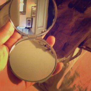 Accessories - A small mirror