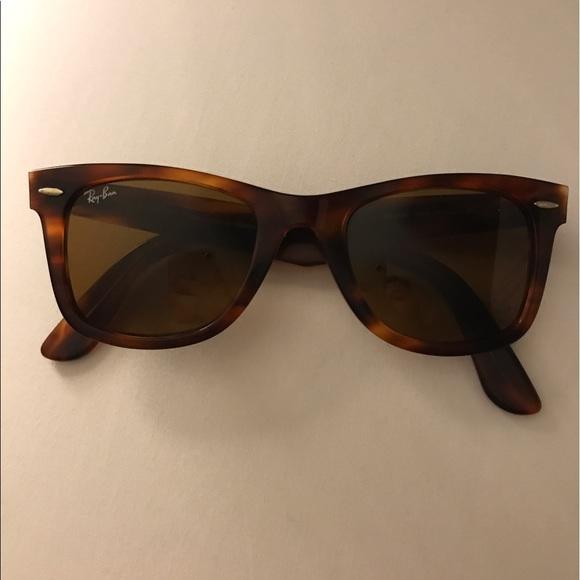 73a07e1810 Ran-Ban Wayfarer Sunglasses. M 58f433947fab3aa3810339f7